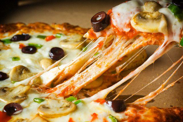 44714pizza mozzarella